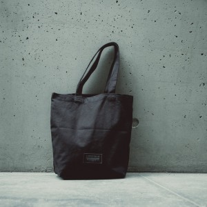 new in: Unterland tote bags